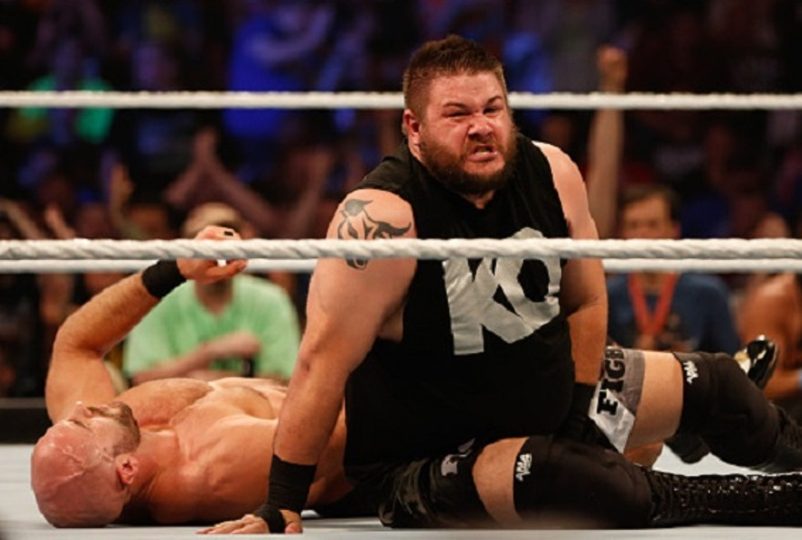 NEW YORK, NY - AUGUST 23: Kevin Owens and Cesaro battle it out at the WWE SummerSlam 2015 at Barclays Center of Brooklyn on August 23, 2015 in New York City. (Photo by JP Yim/Getty Images)