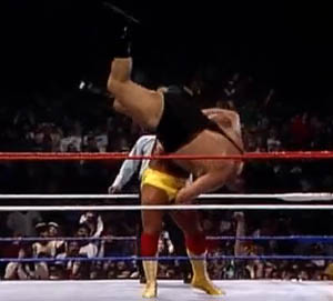 Hogan does the unthinkable and slams the Giant